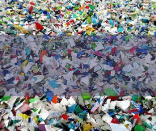 Płatki plastikowe